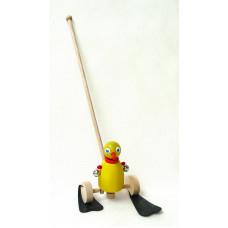 Dřevěná hračka na tyčce - Kačenka s rolničkama